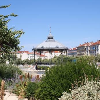 Kiosque Peynet ©Office de Tourisme de Valence Agglo.JPG